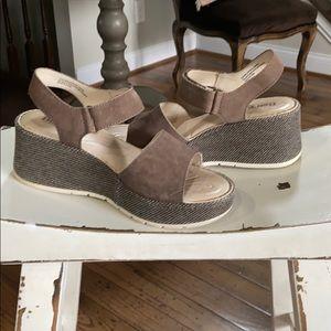 Pre-owned Born Platform Sandal